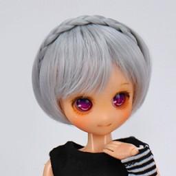 Парик короткий боб с декоративной косой, светло-серый 4,5 inch