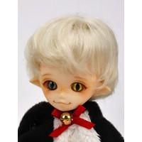 Парик короткая стрижка , платиновый блонд 3,5