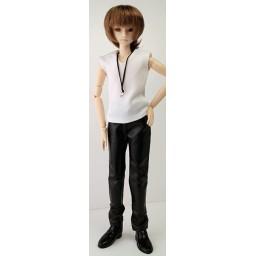 Майка и кожаные брюки для стройного юноши Обитсу27