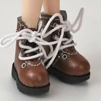 Ботиночки на шнурках коричневый.
