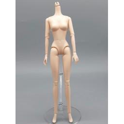 Тело девушки Синьи, маленькая грудь, каблучная стопа.