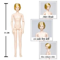Юноша Ксиньи с короткой стрижкой, блондин
